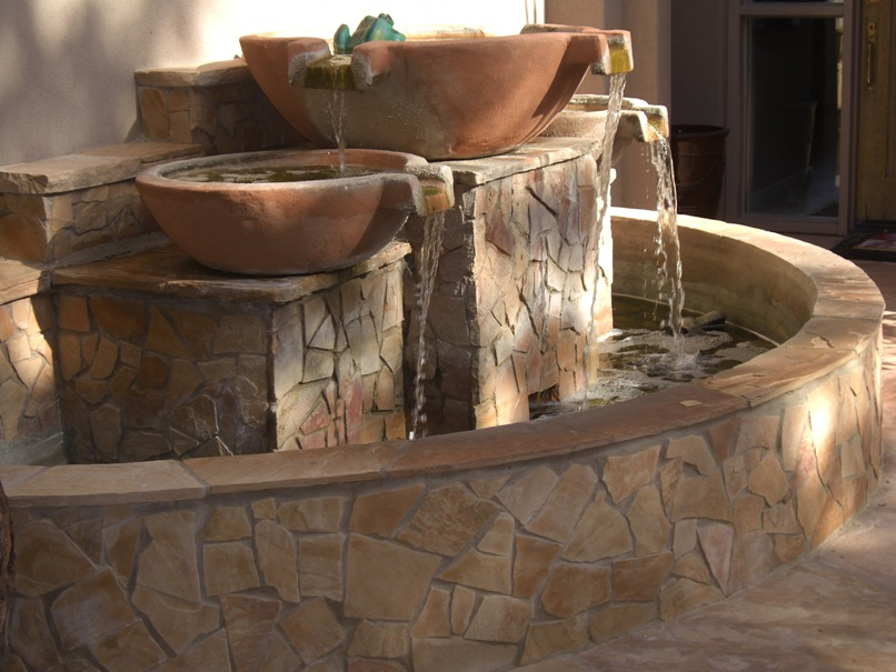 Glendale landscaping water features outdoor water for Garden fountains phoenix