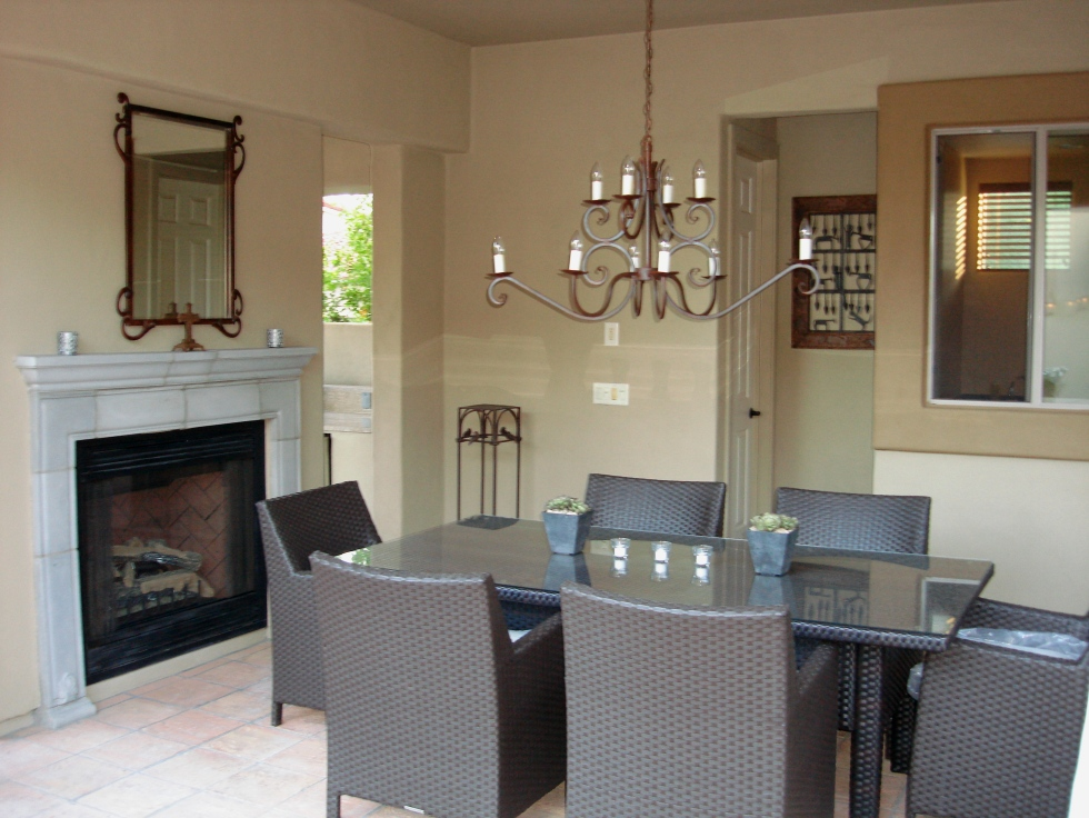 With custom outdoor living rooms, Phoenix homeowners can enjoy so many features.