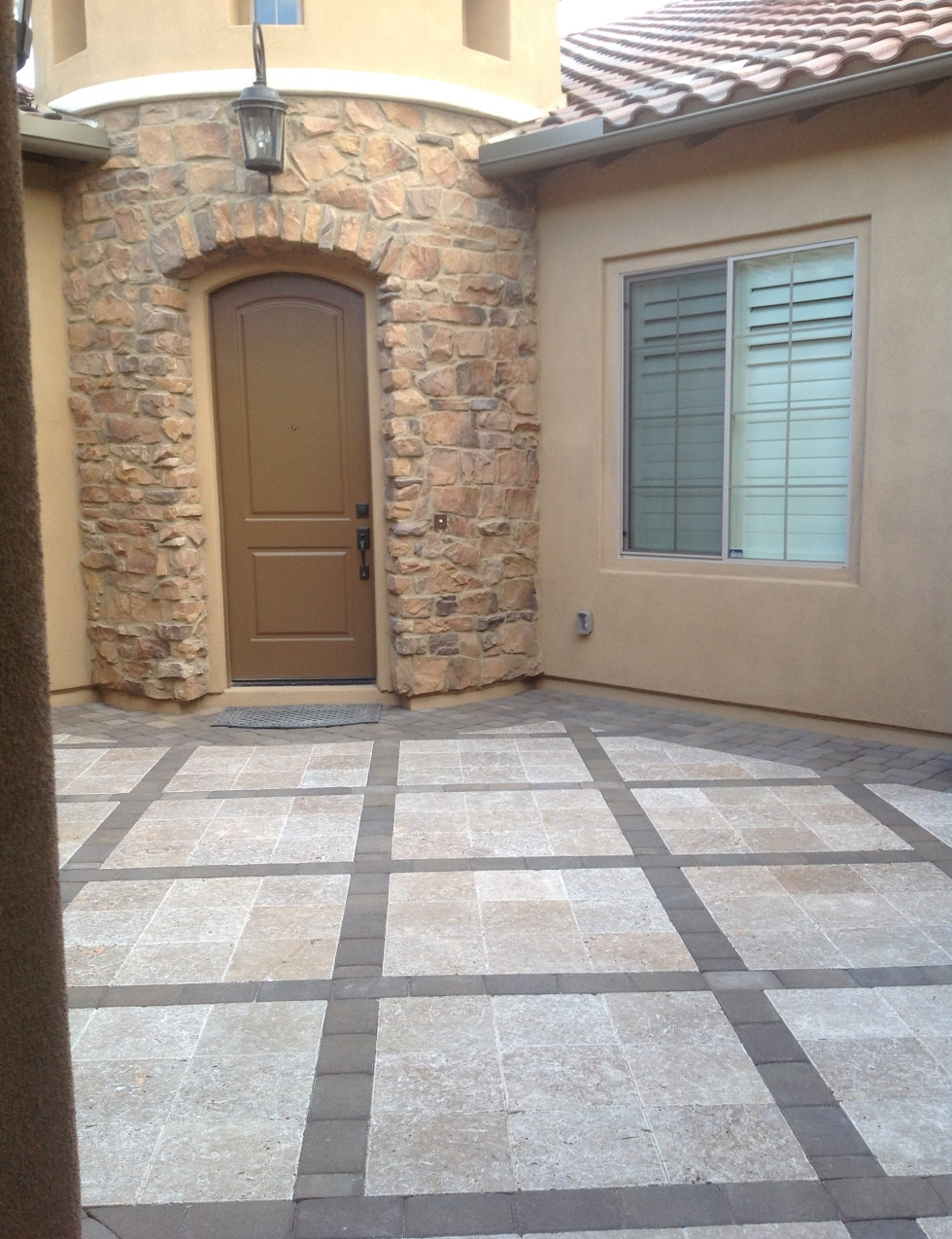 Travertine Pavers: Phoenix Courtyard Design