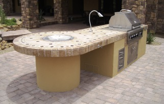 From small and simple to the works, Desert Crest creates Scottsdale and Phoenix built in gas grills with everything you need.