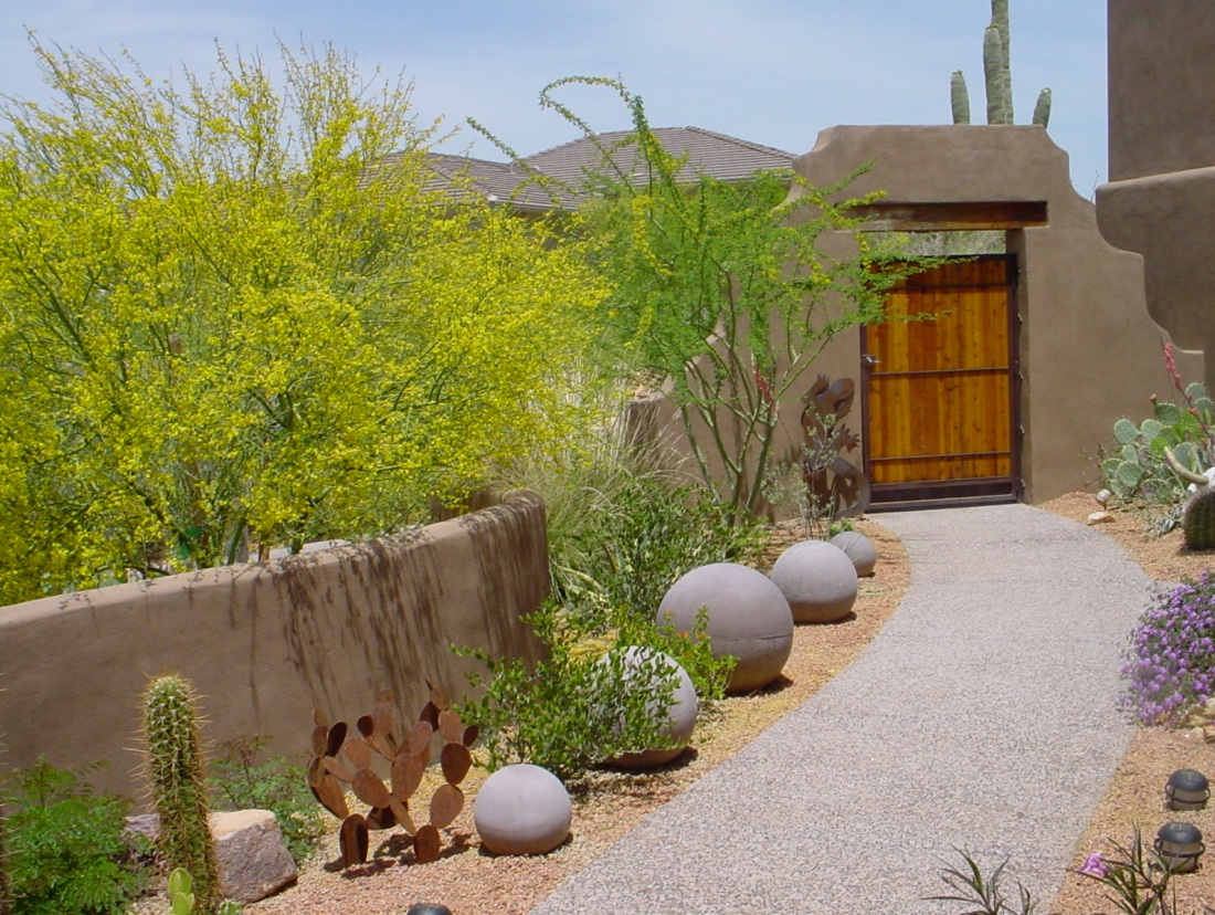 courtyard-entry-landscaping