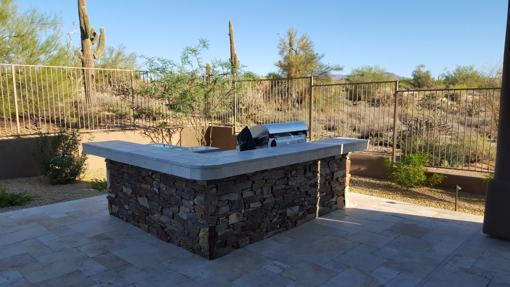 Natural Stone Patio Bar & Grill: Scottsdale Landscaping
